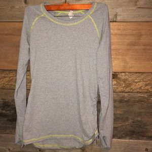 Lucy Small Yoga Workout Long-sleeve Shirt